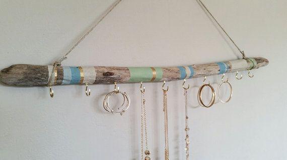 Organisateur de bijoux bois flotté tenture par NWUrbanCottage | DIY ...