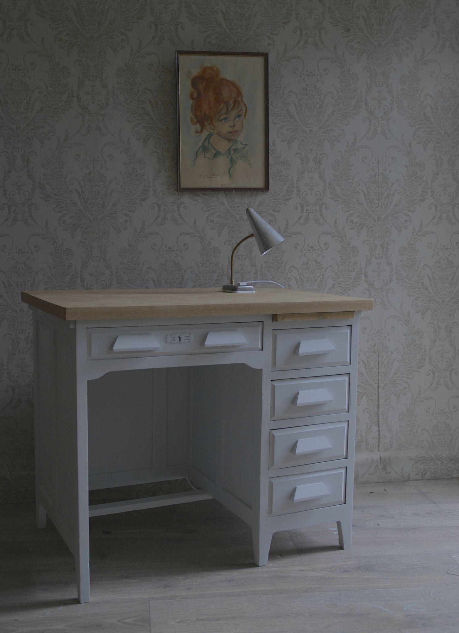 Bureau De Comptable Gris Clair Vendu Atelier Vintage Mobilier De Salon Relooker Bureau Relooking Bureau