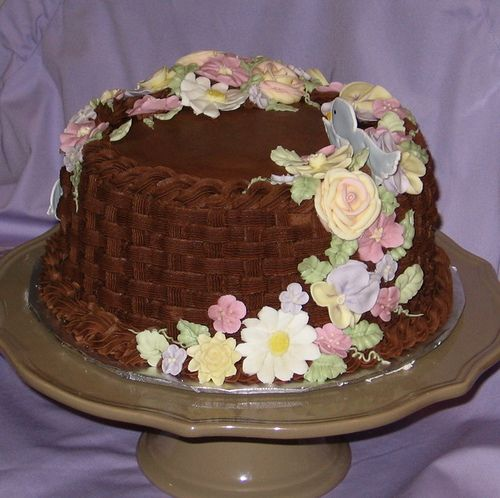 Basket Weave Cake With Royal Icing Flowers Royal Icing Cakes Cake Royal Icing Flowers