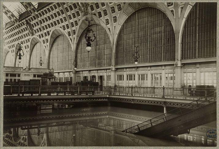 Le grand hall de la gare d'Orsay, Paris 7e, - Inondation catastrophique de 1910 - Bibliothèque historique de la Ville de Paris. (crédit photo : BHVP - Roger-Viollet)