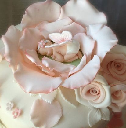 Awww Tiny Baby In A Flower Cakes Pinterest
