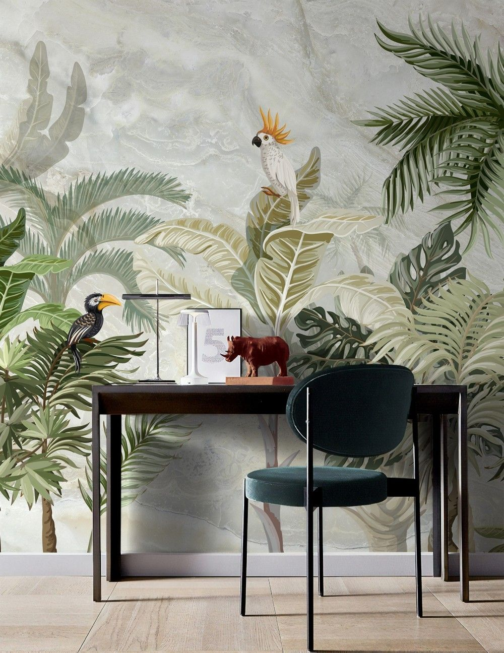 листья на стене в квартире