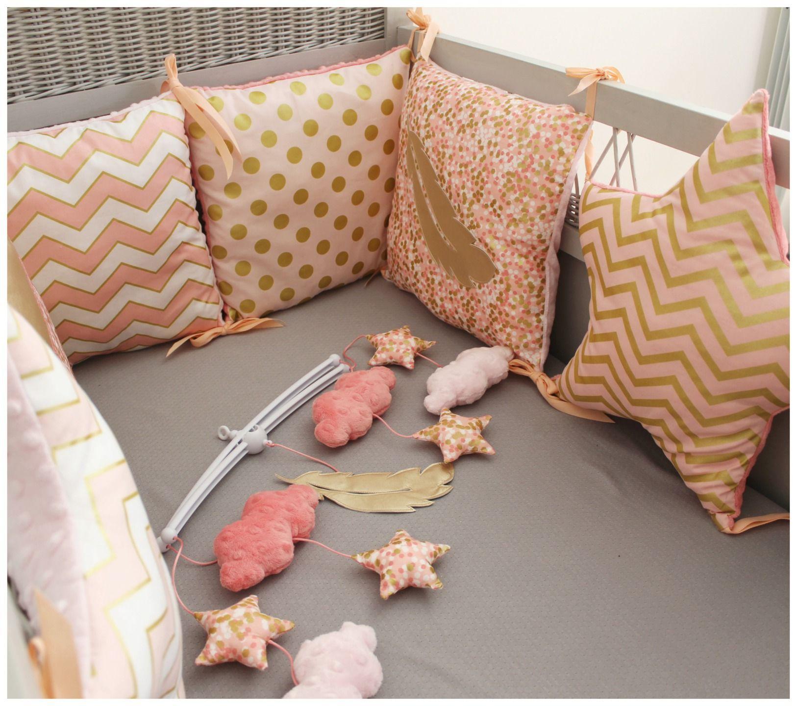 tour de lit toiles et carr s th me plume corail rose pale et dor deco nola pinterest. Black Bedroom Furniture Sets. Home Design Ideas