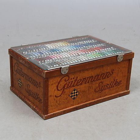 182811. SYSILKELÅDA, Gütermanns Sysilke, 1900-talets första hälft. – Auctionet