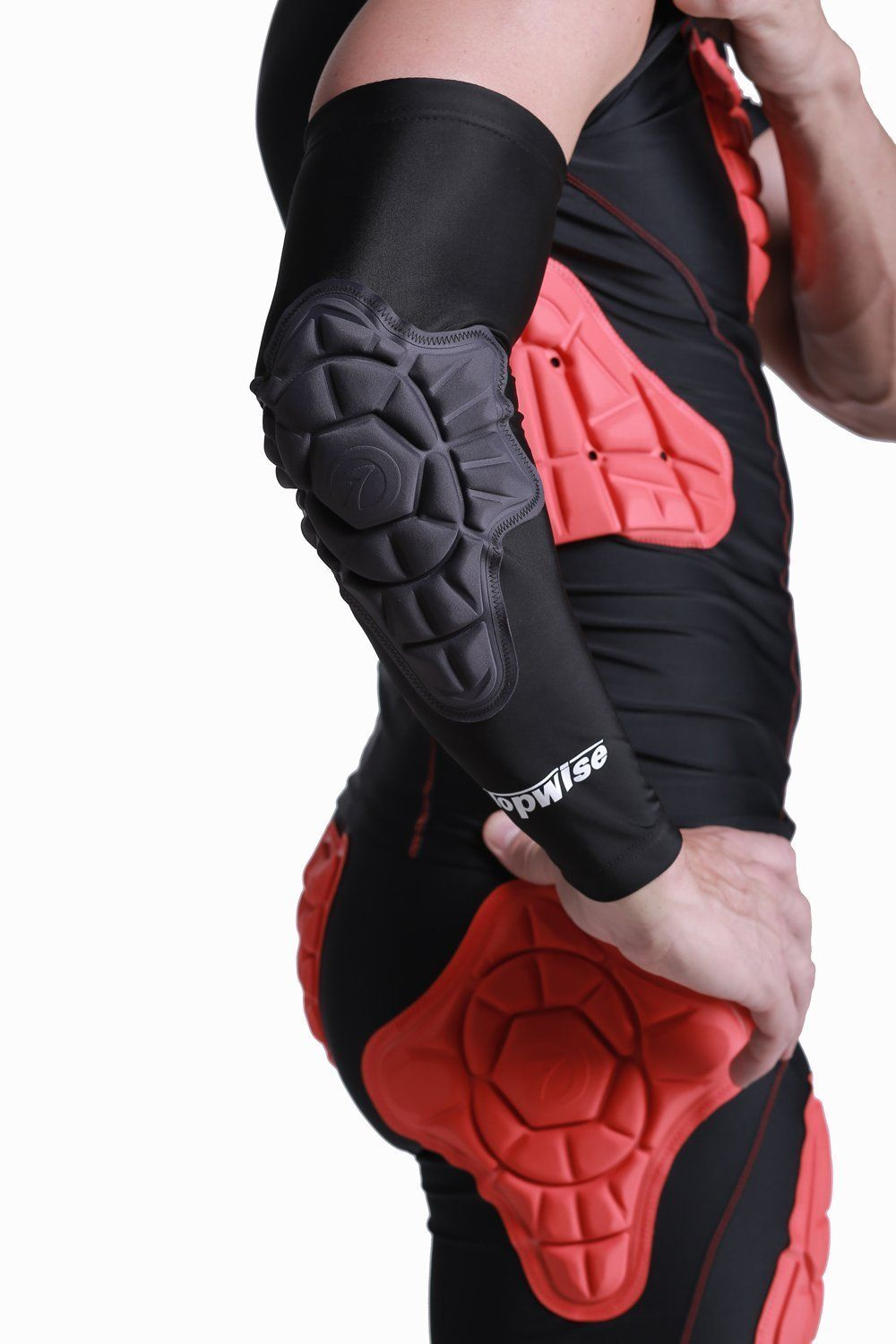 fcd66a50582f Amazon.com   DGYAO Basketball Protector Gear Hand Compression Padded Arm  Long Sleeve Crashproof Antislip Arm Elbow Guards   Sports   Outdoors