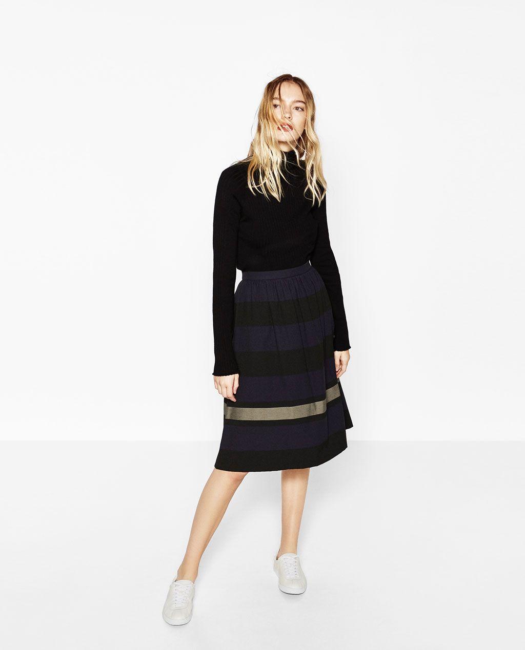 Immagine 1 di GONNA A RIGHE BICOLORE di Zara