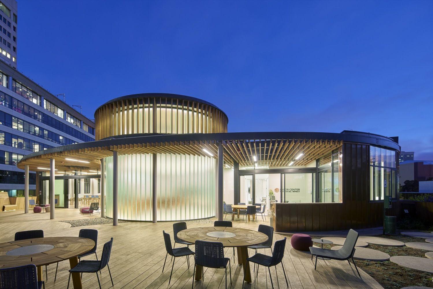 Galería de Centro Kapor para el impacto social/ Fougeron Architecture - 13