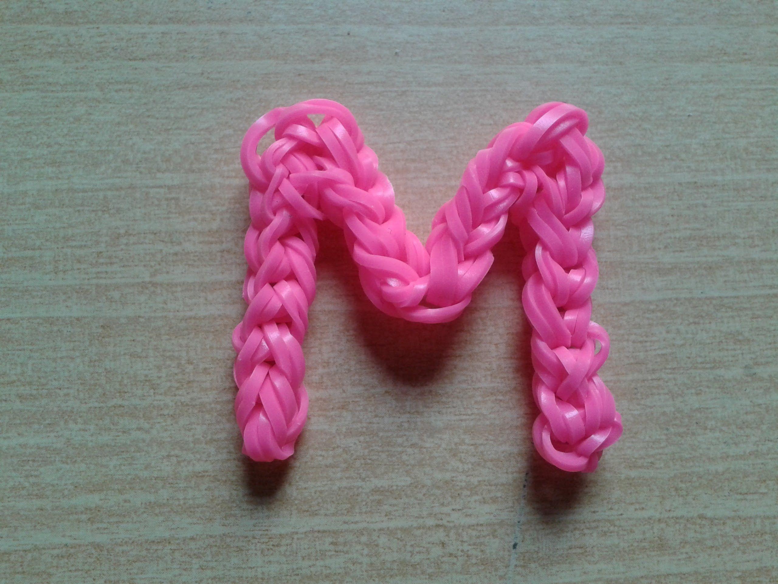 88e5d0f3b171 ♥ Tutorial: letras M y W hechas con gomitas (sin telar ...