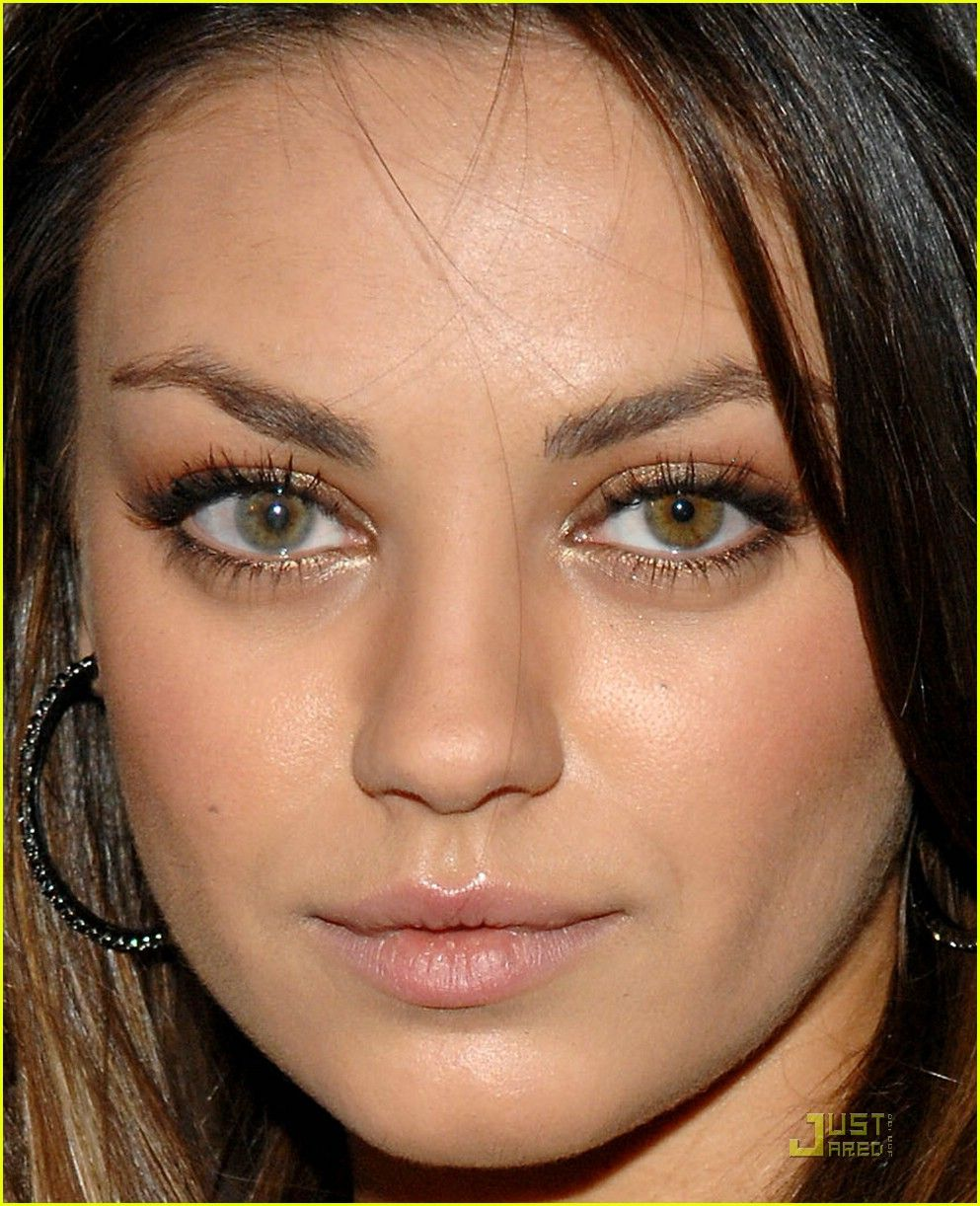 Pin By Amanda Lewis On Make Up Mila Kunis Mila Kunis Eyes Fake Celebrities