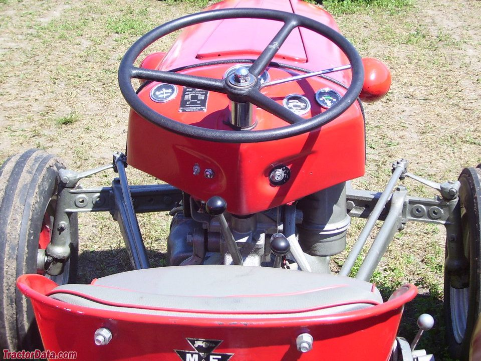 Massey Ferguson 35 operator station and controls  | Tractors