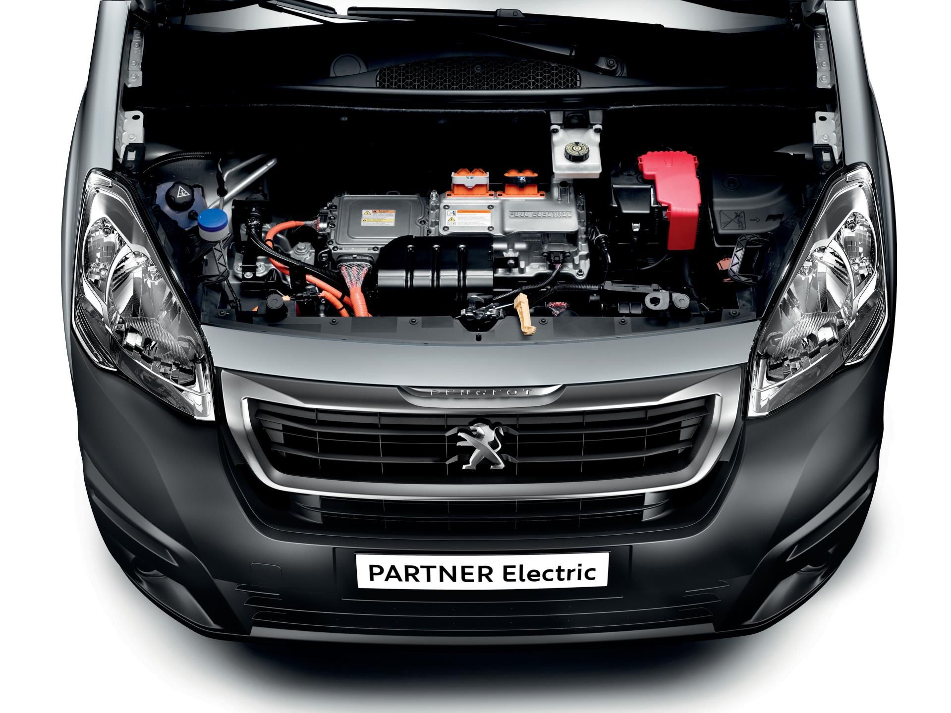 ROYAL MAIL SIGNS AGREEMENT WITH PEUGEOT TO PURCHASE 100