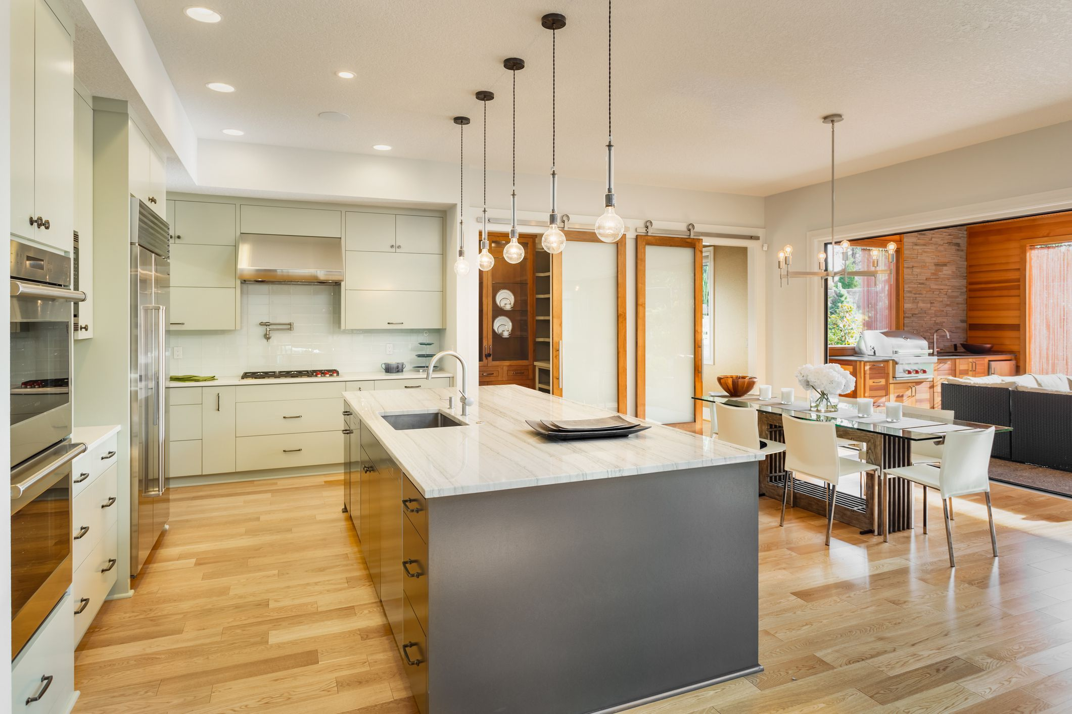 What Are the Top Types of Kitchen Flooring | Types of kitchen flooring,  Outdoor kitchen design, Luxury kitchens