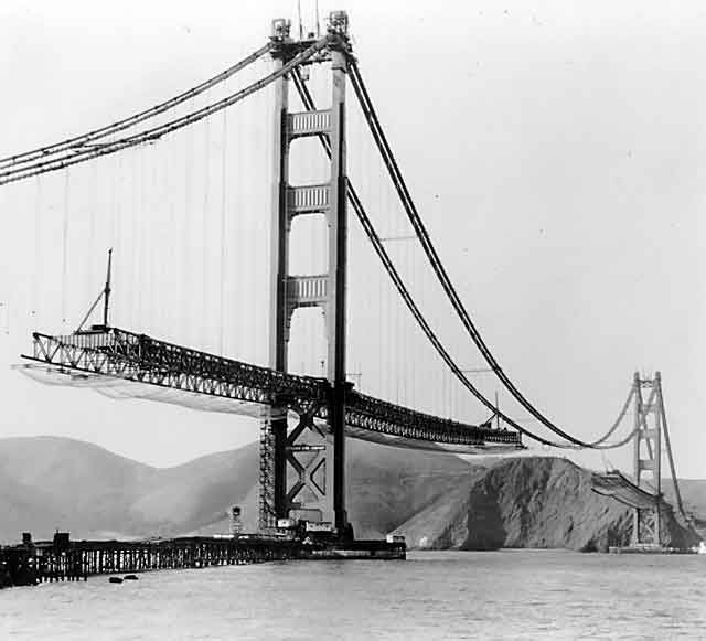 la construction du golden gate bridge de san francisco pinterest