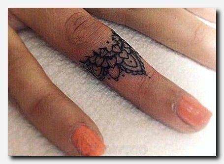 Tattooideas Tattoo Irish Symbols And Meanings Female Star Tattoo