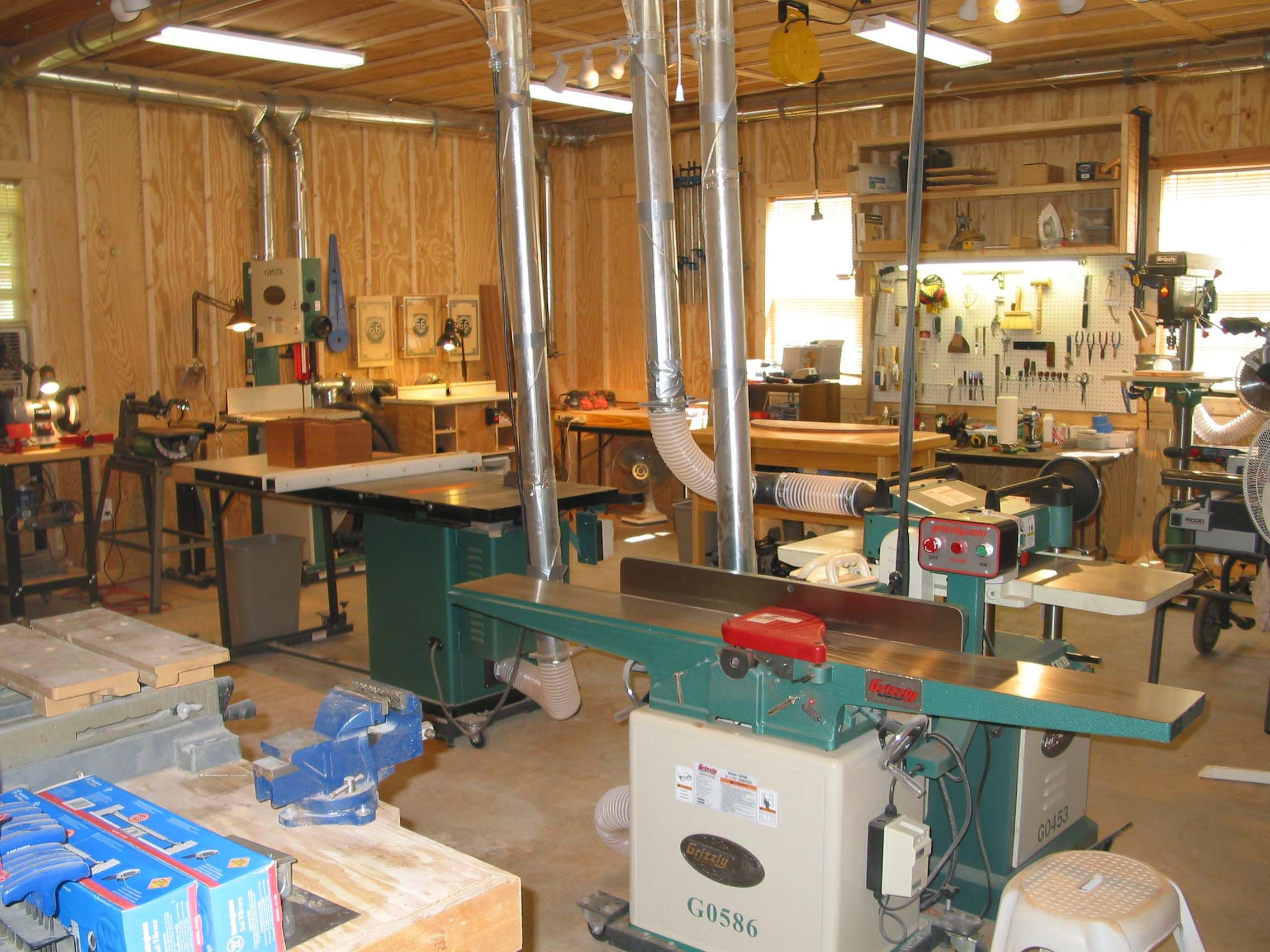 Home wood shops a position withwithin the woodoperating for One car garage woodshop
