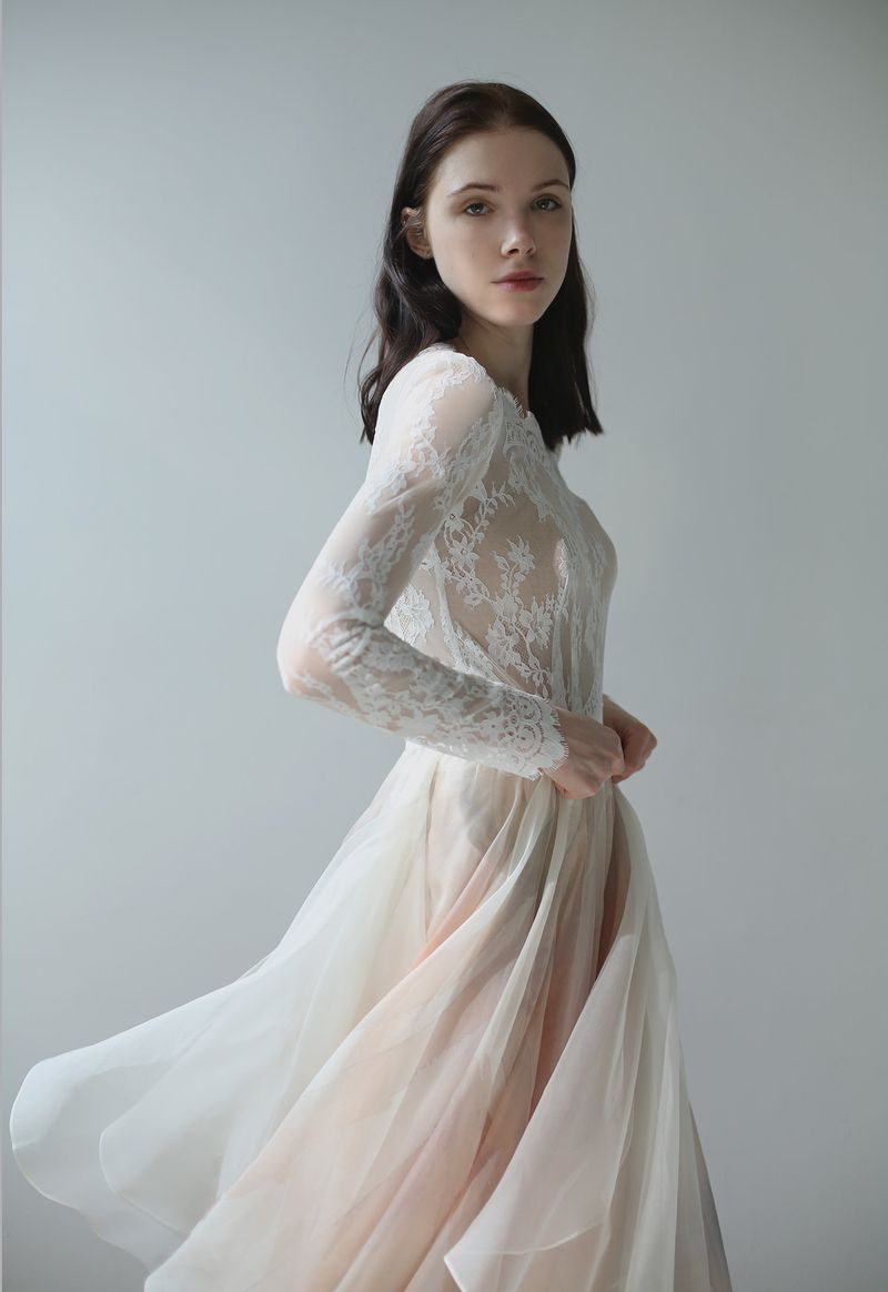 red wedding dress meaning in dream