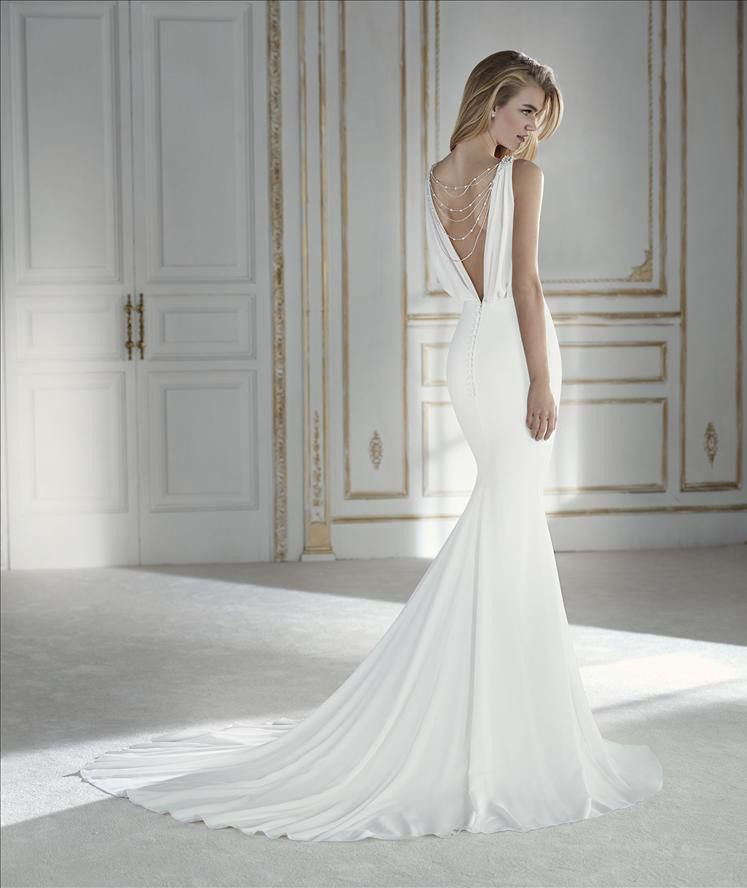Form Fitting Wedding Gowns: NEW 2018 COLLECTION: Palpito