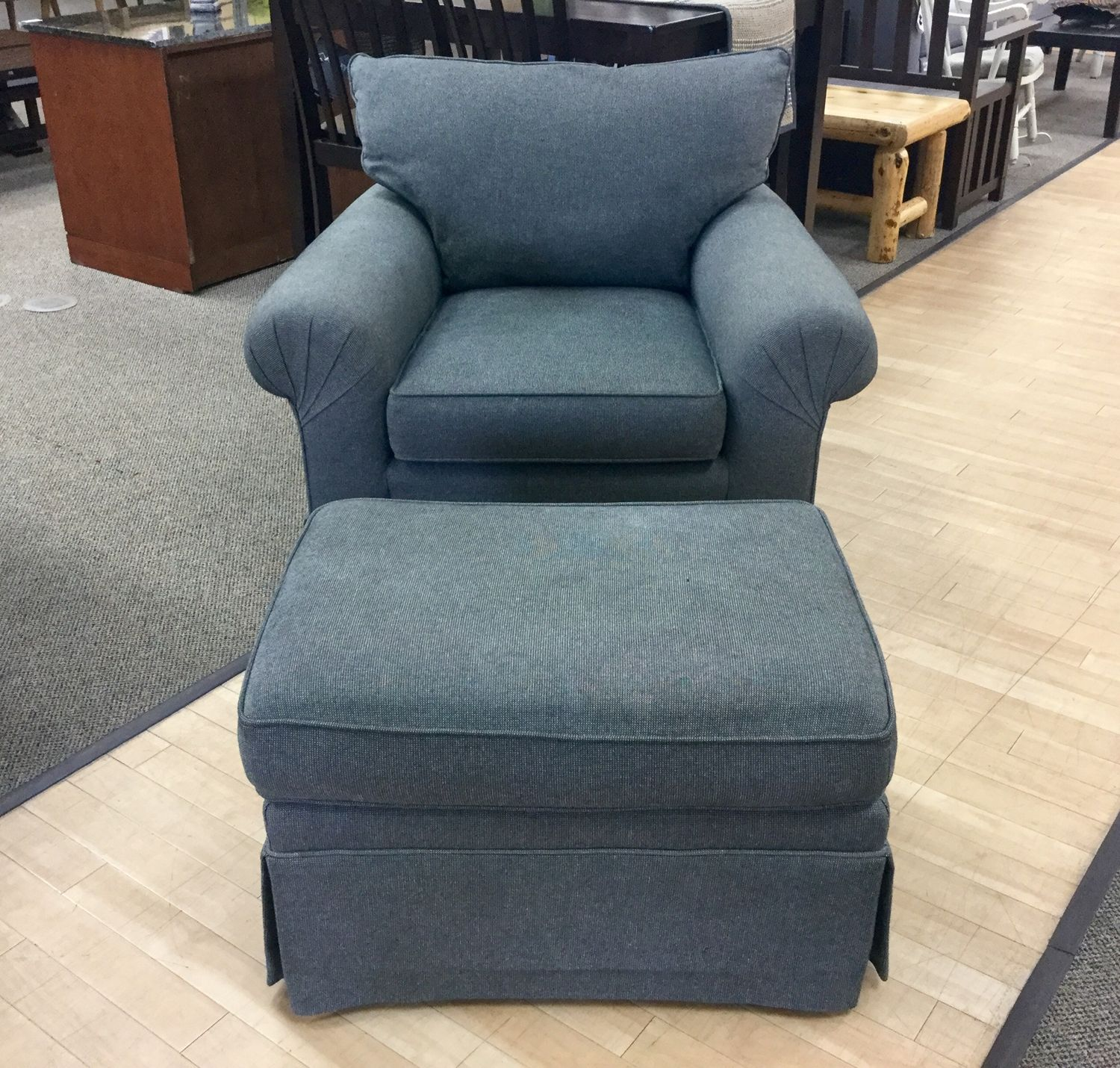 Just In The Door Pay Only 96 For This Comfy Armchair Ottoman