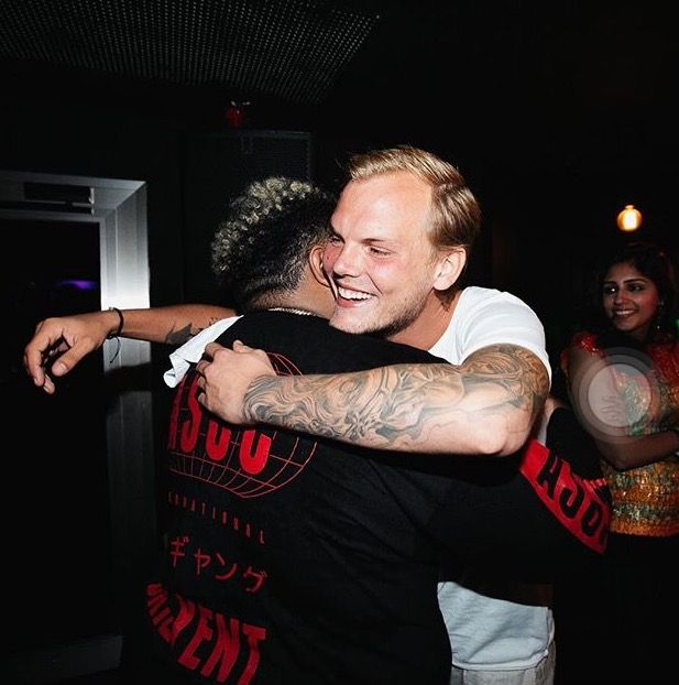 DJ Carnage & AVICII | MusicWorld | Avicii, Tim bergling ...