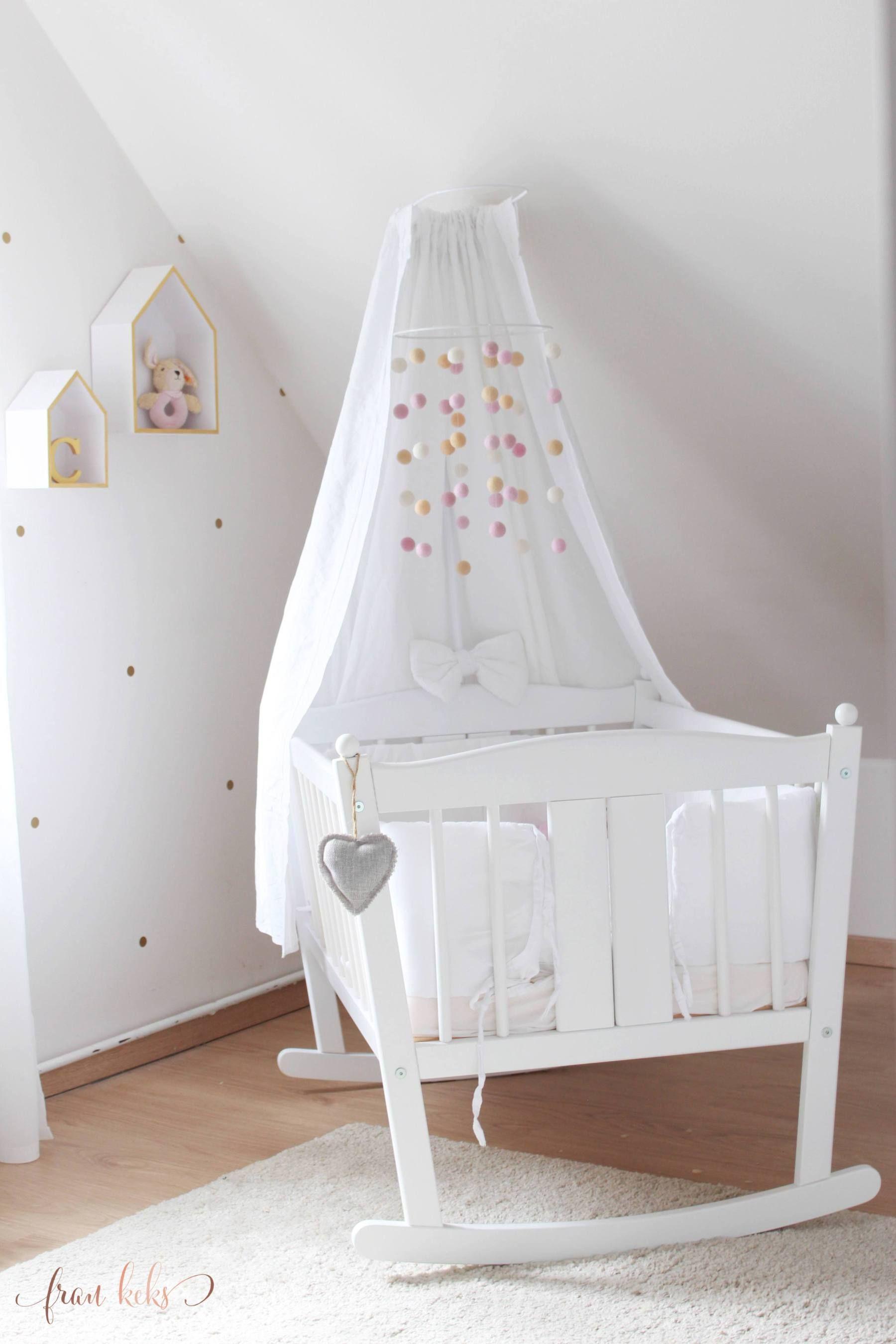 Ein Mobile fürs Babybett selber zu machen ist nicht schwer ...