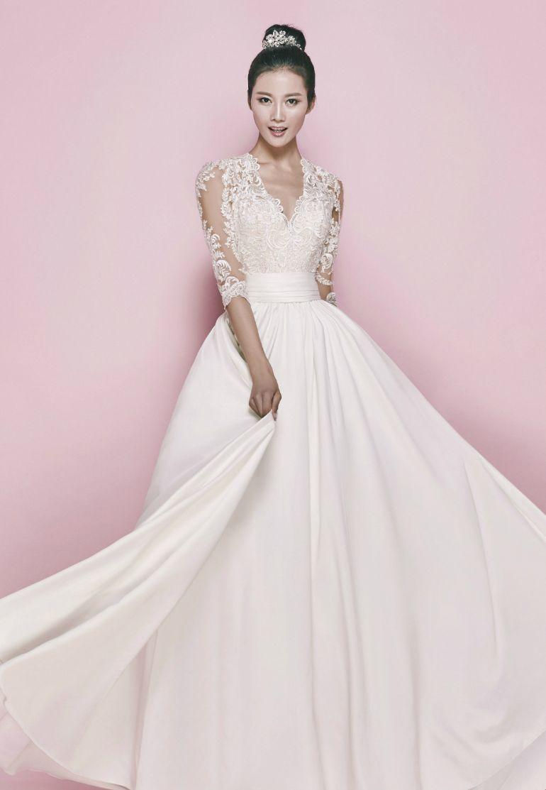 Korean bridal inspo! 15 elegant wedding dresses for the modern