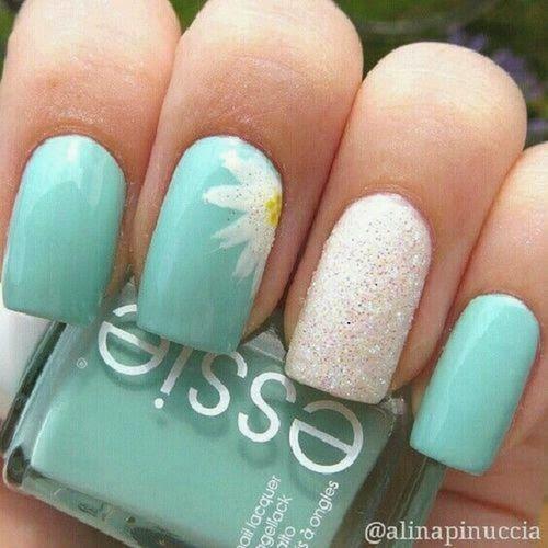 La nail art sui vestiti di Anna Goswami (FOTO) | Blog di Moda