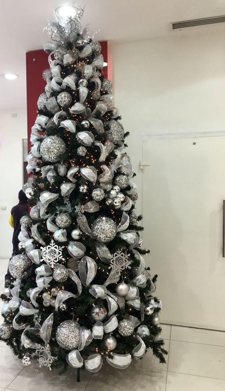Resultado de imagen para arboles decorados con plateado - Arboles de navidad blanco ...