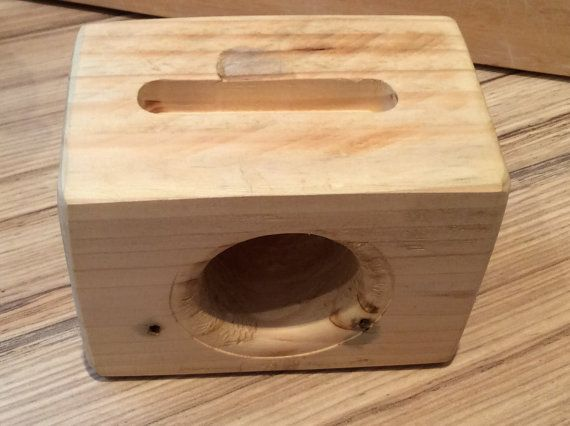 Pallet Wood IPhone Accoustic Speaker by CollegeFundCarpentry