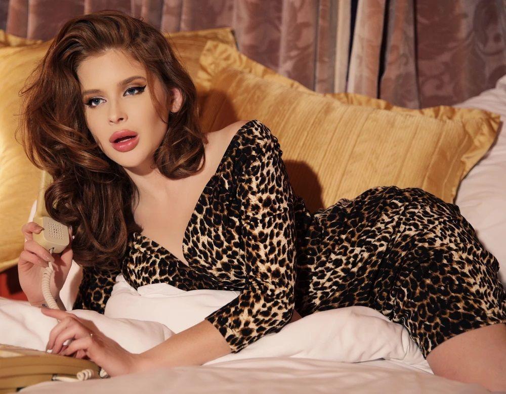 Renee Olstead - Ladygunn #9 Magazine issue Launch in LA