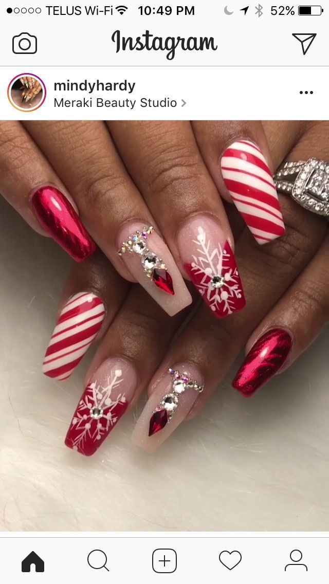 Photo of That accent nail is everything! Really pretty Christmas inspired look. #nailart …