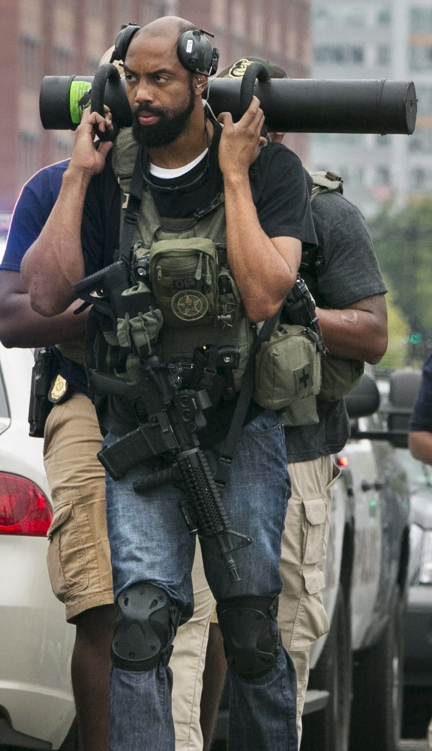 US Marshal, perhaps from Special Operation Group. US