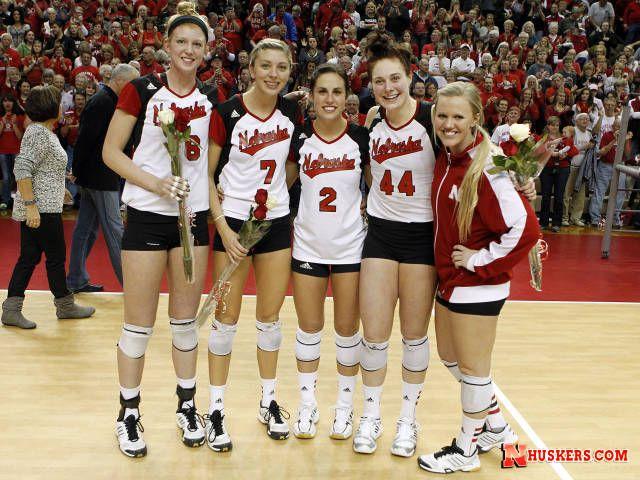 Huskers Top Northwestern On Senior Night University Of Nebraska Husker Football Husker Volleyball Team