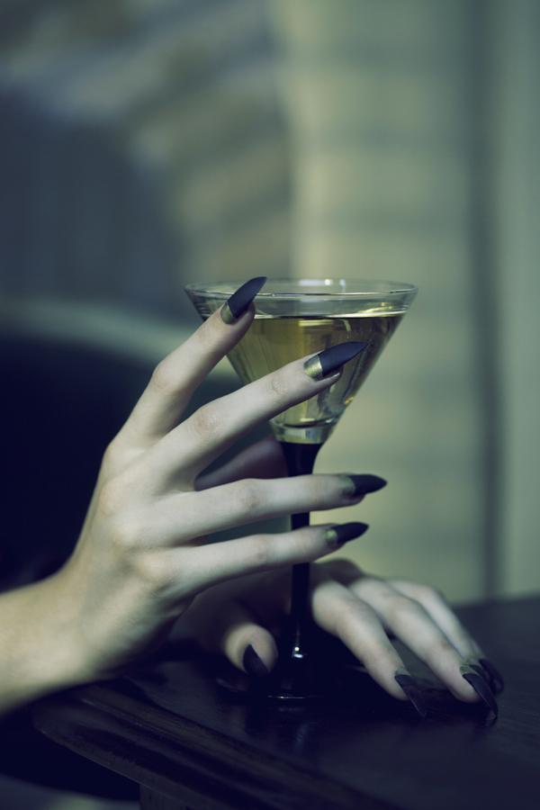 Pin de Teresa Hewer en Addict   Pinterest   Reinas malvadas ...