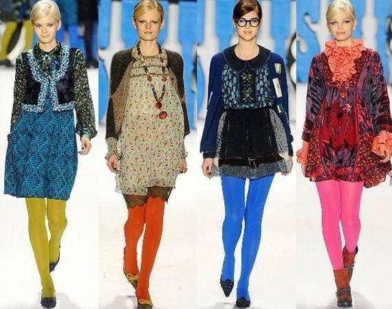Resultado de imagen de outfit con medias de colores opacas