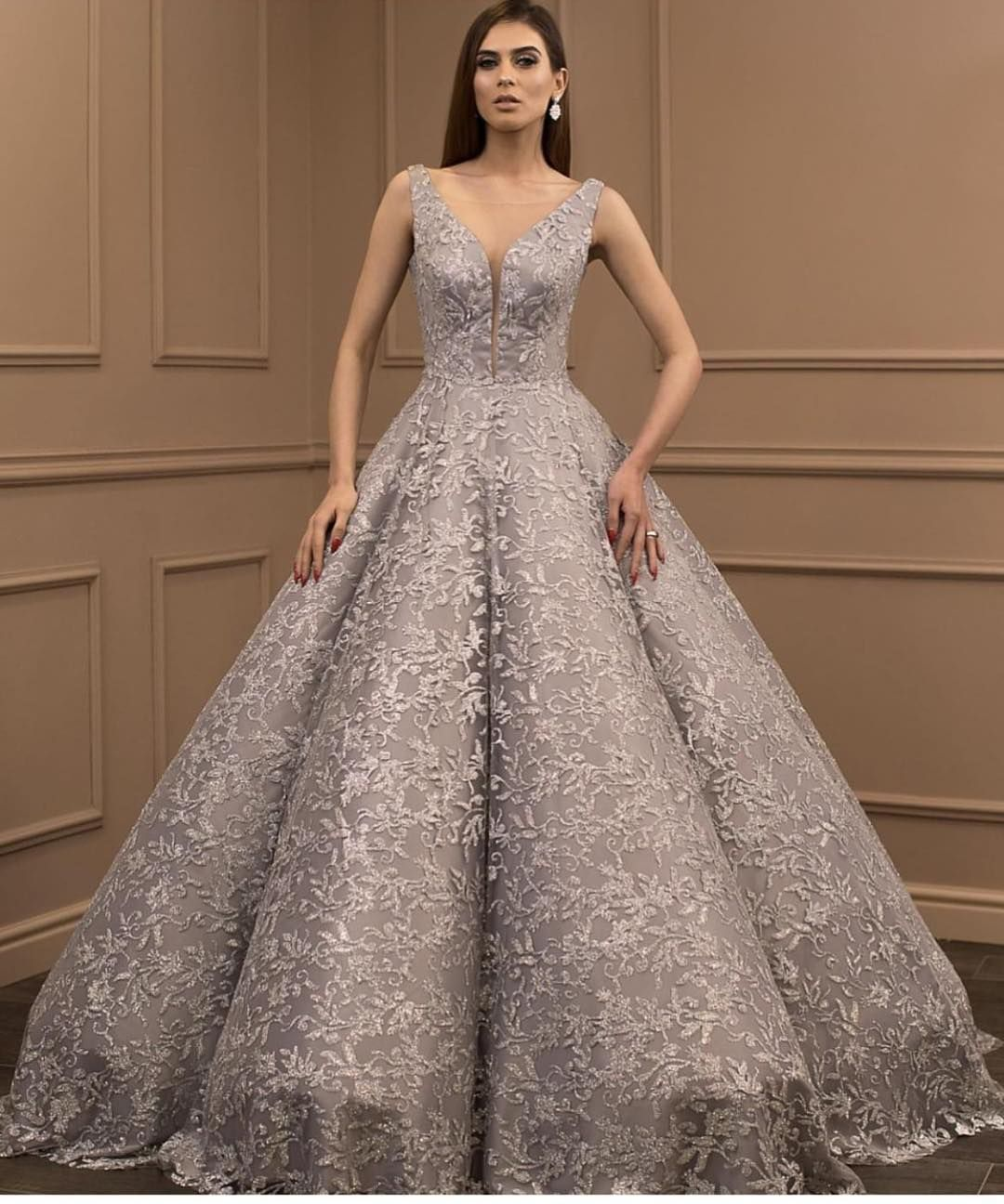 Non Traditional Wedding Dresses With Color: Platinum Silver Colored Wedding Dresses Are Still Popular