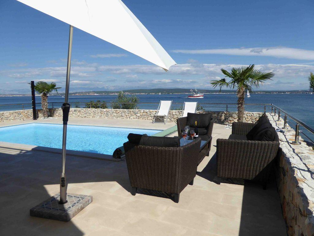 Villa für 6 Personen, direkt am Meer, Pool, grosse