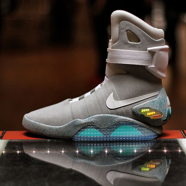 timeless design 3e849 ea948 Nike Air Mag.   The Showcase   Sneakers, Sneakers nike, Nike socks