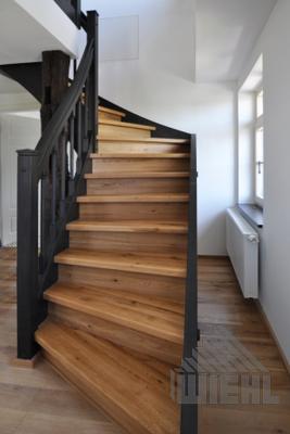 Fabulous Holztreppe mit lackierten Wangen   Stairs in 2019   Treppe EK47