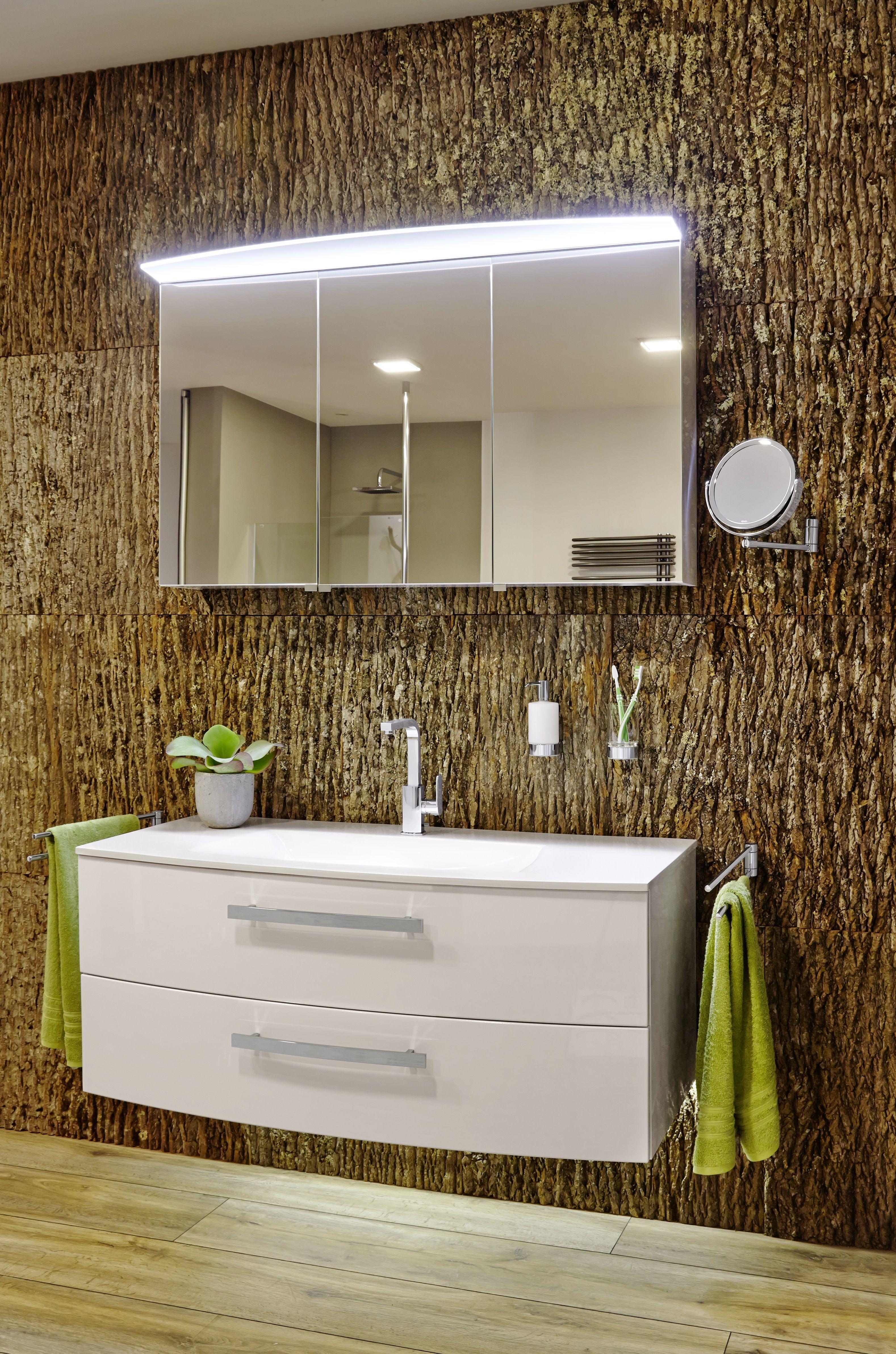 Uber Dem Waschplatz Montiert Bietet Ein Spiegelschrank Ausreichend Raum Fur Alle Kosmetikartikel Die Am Waschtisch Greifb Led Licht Spiegelschrank Lichtstarke
