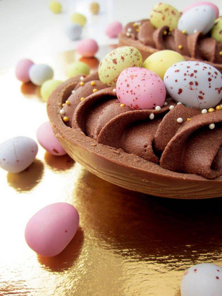 Täytä suklaamuna itse tehdyllä moussella - kookoksen ja suklaan taivaallinen yhdistelmä | Pippuri.fi | Iltalehti.fi
