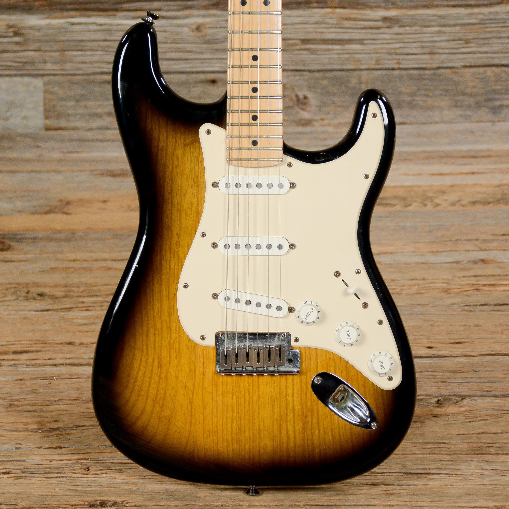 fender american standard stratocaster 50th anniversary sunburst used s363 stratocasters. Black Bedroom Furniture Sets. Home Design Ideas