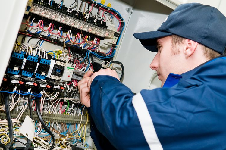 find your dream job: electrician jobs