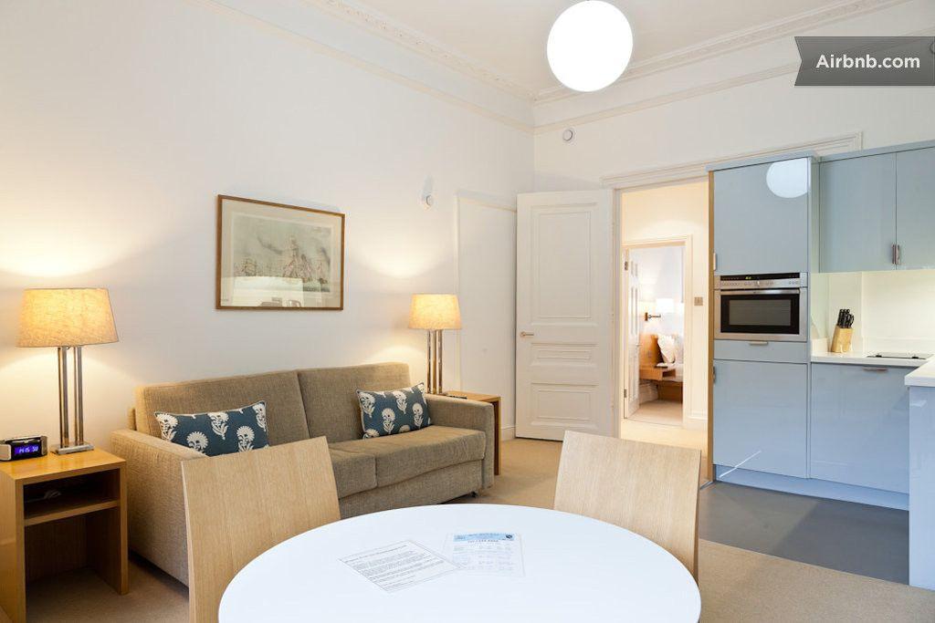 2 Bedroom Apartment Bloomsbury Wc1 In London Modern Apartment 2 Bedroom Apartment Modern House Design
