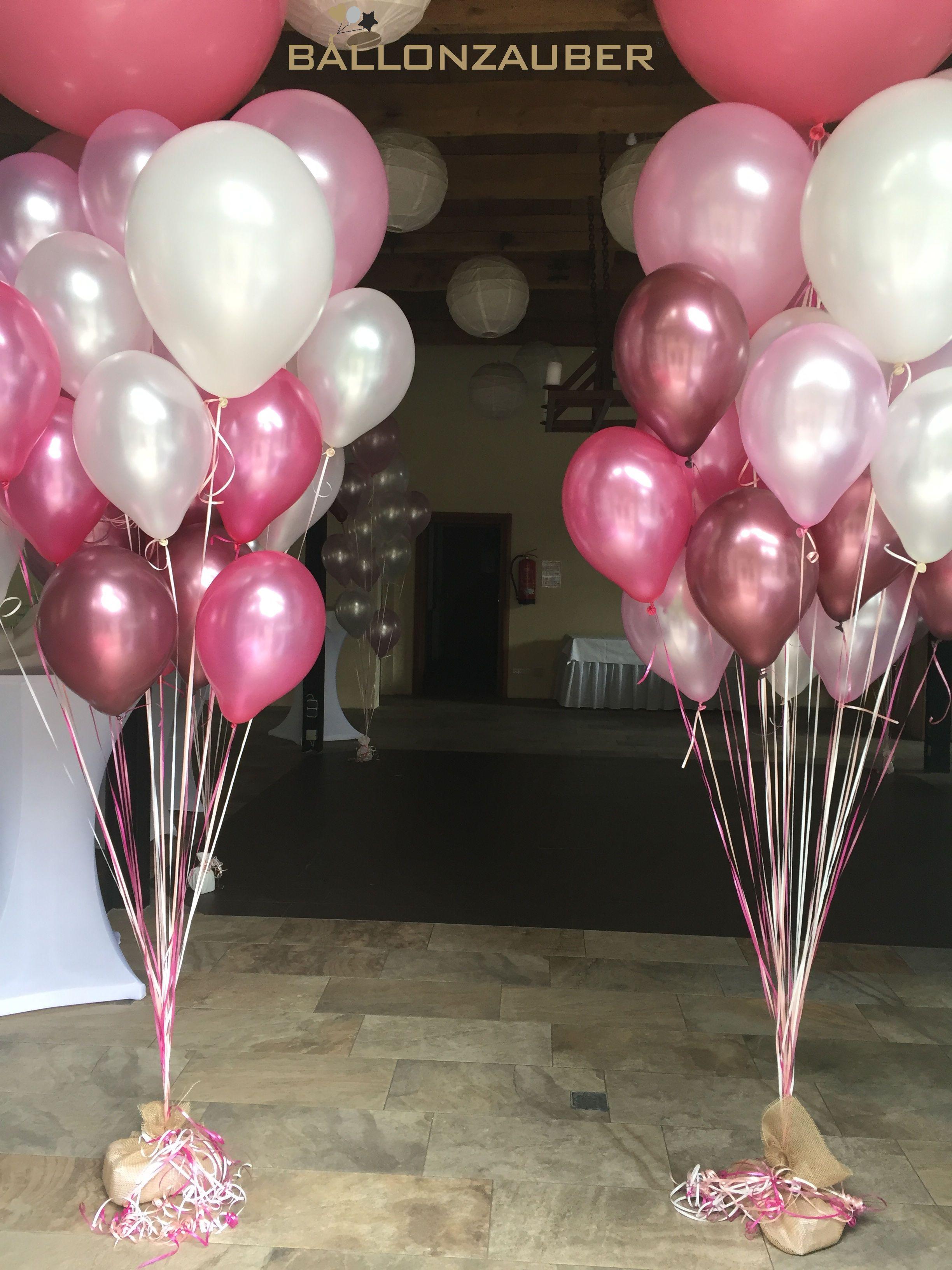 Wunderschone Ballonbouquets Zur Dekoration Der Hochzeitslocation Farblich Abgestimmt Hier Luftballons Hochzeit Ballondekorationen Helium Luftballons Hochzeit