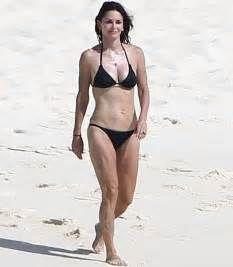 Lisa Kudrow Bikini Celebrity Bikini Bikinis Bikini Photos