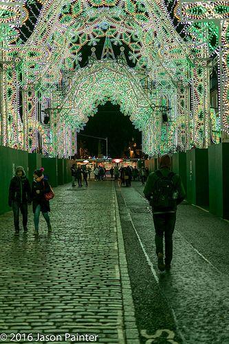 En güzel dekorasyon paylaşımları için Kadinika.com #kadinika #dekorasyon #decoration #woman #women Street of Light