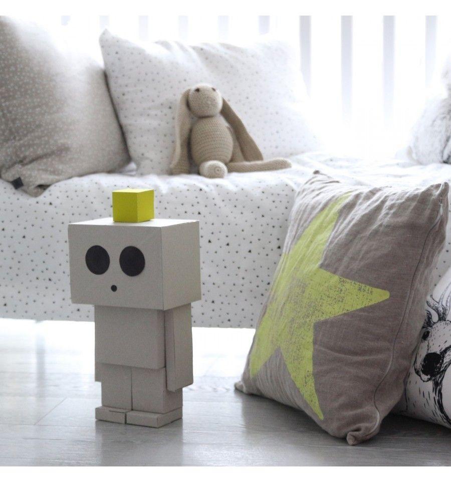 Pomyslowe Zabawki Robot Z Kartonu Cardboard Robots With Images Zabawki Robot Design