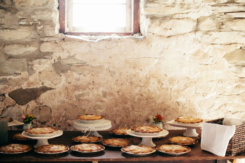 Everybody loves pie! And homemade pies are great wedding ideas on a budget #weddingideas #cheapwedding #pie #weddingdessert