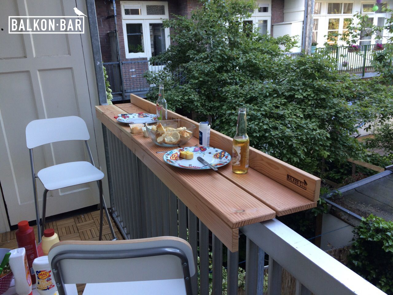 Dinner balkonbarren pinterest for Balcony bar top