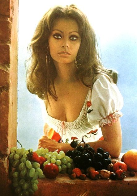 in cucina con amore by sophia loren, her cookbook from 1971 | in ... - In Cucina Con Amore
